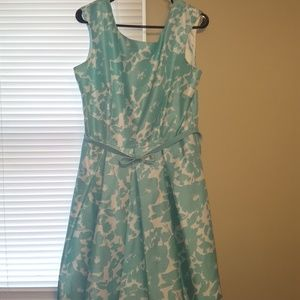 Size 14P Sleeveless Dress by Julian Taylor